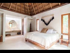 Acacia is a completely private jungle oasis in the heart of Tulum.