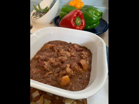 Stew peas with pig's tail, anyone? Yes, please!